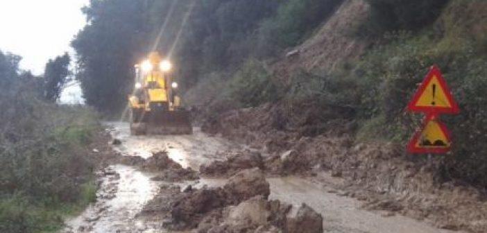 Εντείνονται τα προβλήματα από την κακοκαιρία στο δήμο Αγρινίου