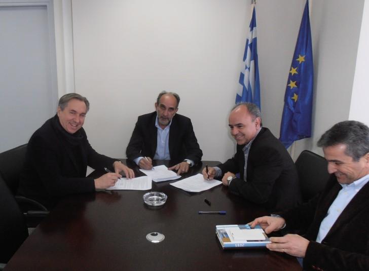 Υπεγράφη η  Σύμβαση με το ΚΕΠΕ για το Επιχειρησιακό Πρόγραμμα της Περιφέρειας Δυτικής Ελλάδας