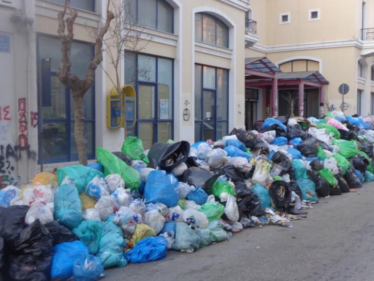 ΑΠΟΚΛΕΙΣΤΙΚΟ | Τα σκουπίδια του Πύργου στο Αγρίνιο