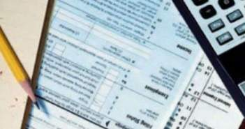 Τι αλλάζει στις φορολογικές δηλώσεις για μισθωτούς, «μπλοκάκια» και αγρότες