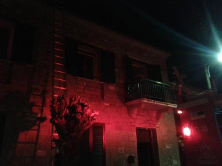 Γαβαλού: Έσωσαν από τις φλόγες διπλοκατοικία την ώρα του επιταφίου (φώτο)
