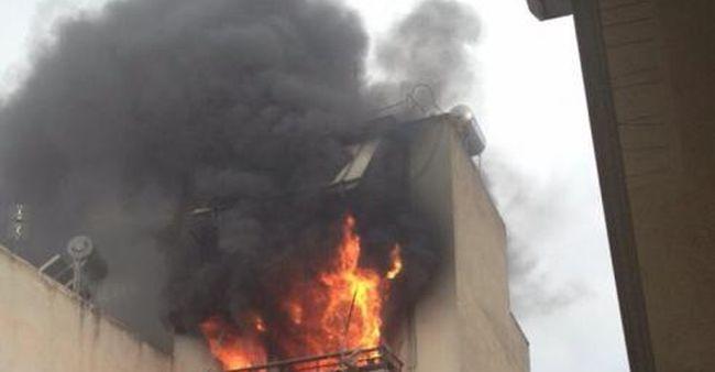 Πάτρα: Μεγάλη φωτιά σε πολυκατοικία – Στις φλόγες δύο όροφοι – Κινδύνευσαν δύο αδέλφια
