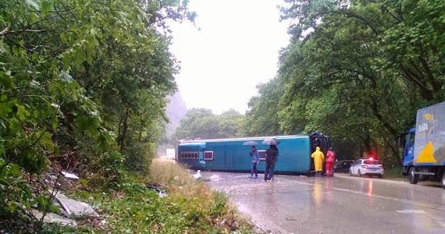 Μόνο ελαφρά τραυματισμένοι από την εκτροπή λεωφορείου στο δρομολόγιο Αγρίνιο-Γιάννενα