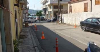 Έβαλαν κολωνάκια στον Αστακό για να μπει φρένο στο παράνομο παρκάρισμα