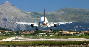 Υπεγράφη η παραχώρηση των 14 περιφερειακών αεροδρομίων στη Fraport