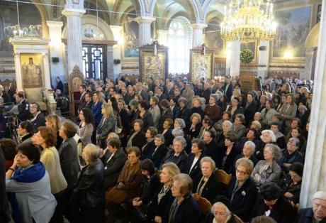 Πάνω από 10.000 κόσμος πέρασε μέσα σε τρεις μέρες από τον ανακαινισμένο ναό της Παντάνασσας