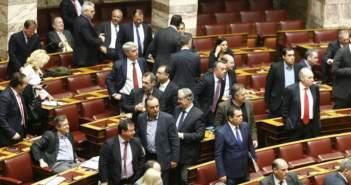 ΝΔ: 45 βουλευτές ζητούν την αποπομπή του Ν.Φίλη