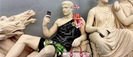 """""""Έντυσαν"""" με Gucci τα Γλυπτά του Παρθενώνα!! (ΔΕΙΤΕ ΦΩΤΟ)"""