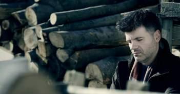 MusiqueRevue: Φοίβος Δεληβοριάς – «Καλλιθέα»