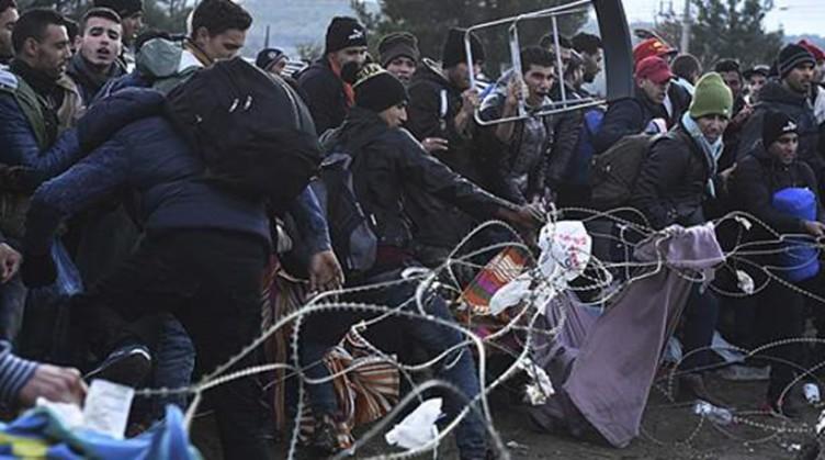 Ειδομένη: Επεισόδια ανάμεσα σε μετανάστες – Η κυβέρνηση στέλνει τρένα να τους φέρει στην Αθήνα