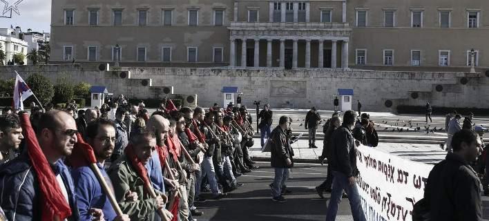Le Monde: Οι Ελληνες δεν έχουν όρεξη ούτε να διαδηλώσουν πλέον