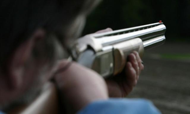 Ξηρομέρο: Έστρεψε το όπλο εναντίον δασοφυλάκα και το έσκασε!
