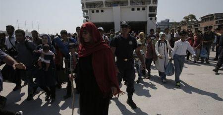 Στον Πειραιά επιπλέον 2.600 μετανάστες & πρόσφυγες