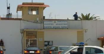 """Πάτρα: Στον Άγιο Στέφανο μεταφέρθηκε ο 38χρονος Αλβανός που """"τράβηξε"""" περίστροφο σε μπαρ"""