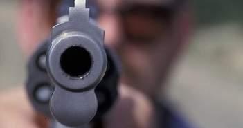 Πάτρα: Σοβαρό επεισόδιο στο κέντρο της πόλης – Νεαρός κρατούσε όπλο!