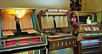 """O """"γιατρός"""" των jukebox ζει στην Αμφιλοχία! (ΔΕΙΤΕ ΦΩΤΟ)"""