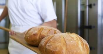 Πάτρα: Κρατούμενοι σε ρόλο φούρναρη στον Άγιο Στέφανο – Παράγουν 700 κιλά ψωμί την ημέρα