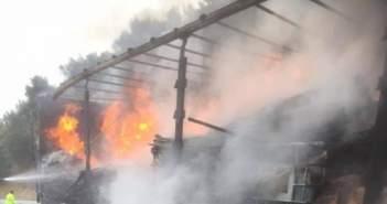 Πατρών-Κορίνθου:Πυρκαγιά σε φορτηγό κοντά στο Διακοπτό-Εκτροπή κυκλοφορίας στην Παλαιά Εθνική
