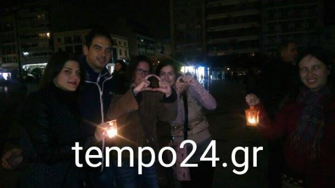 """Πάτρα: """"Η Ώρα της Γης"""" έφθασε και οι Patrinistas πήγαν πλατεία Γεωργίου (ΔΕΙΤΕ ΦΩΤΟ)"""