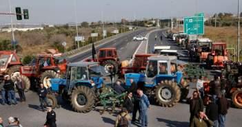 «Μπλόκα» αγροτών στα τέλη Ιουλίου σε ΕΛΓΑ, ΟΠΕΚΕΠΕ και ΟΓΑ