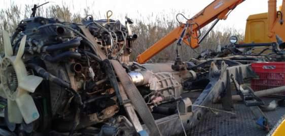 Αμαλιάδα: Έκλεψαν φορτηγάκι και το έκαναν κομμάτια
