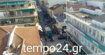 Πάτρα: Τώρα και τα φορτηγά μπαίνουν στον πεζόδρομο της Ρήγα Φεραίου