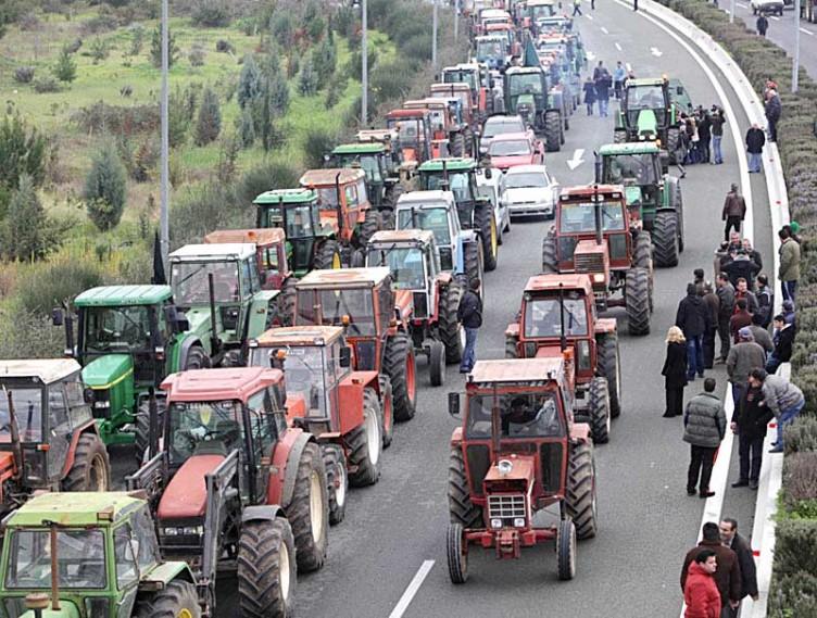 """Αγρότες: """"Μόλις τελειώσουμε τις δουλειές μας θα ξαναβγούμε στα μπλόκα"""""""