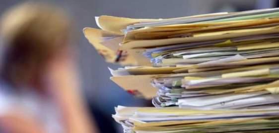 """Δημόσιο: Tέλος στη """"χαρτούρα"""" – Ηλεκτρονικά τα έγγραφα αλλιώς είναι άκυρα!"""