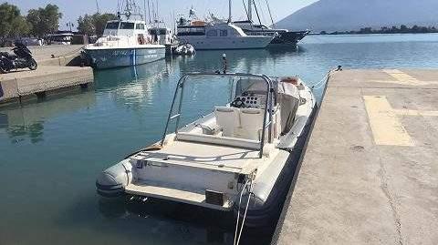 Ακυβέρνητο σκάφος με 29 μετανάστες ανοιχτά της Λευκάδας