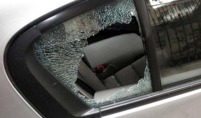 Άρπαξαν 20 χιλ.ευρώ μέσα από αυτοκίνητο στην οδό Μανωλοπούλου!