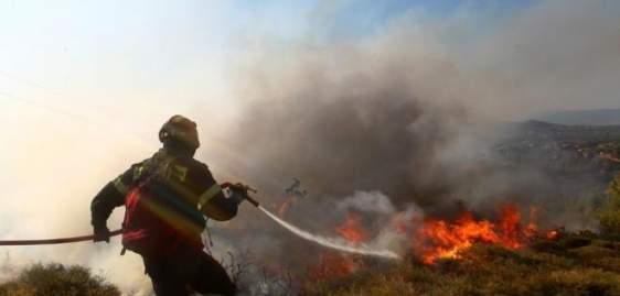 Συναγερμός στην Δυτική Ελλάδα – Μεγάλη πυρκαγιά στη Δαφνούλα Ανδρίτσαινας