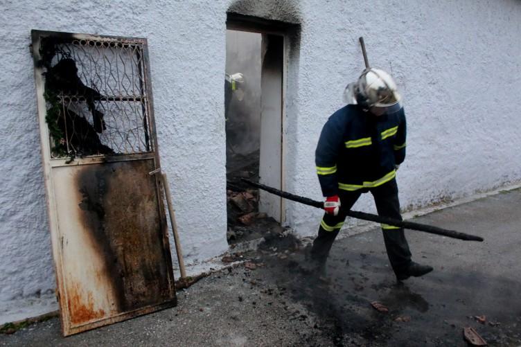 Πύργος: Έκανε… κέφι κι έκαψε το σπίτι του… (ΔΕΙΤΕ ΦΩΤΟ)