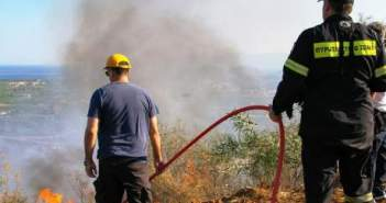 Υπό έλεγχο η φωτιά στην Αγία Θέκλα Ζακύνθου