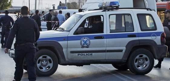 Επεισοδιακή σύλληψη 28χρονου στο Μενίδι – Πέταξε τα ναρκωτικά για να μην τα βρει η αστυνομία!