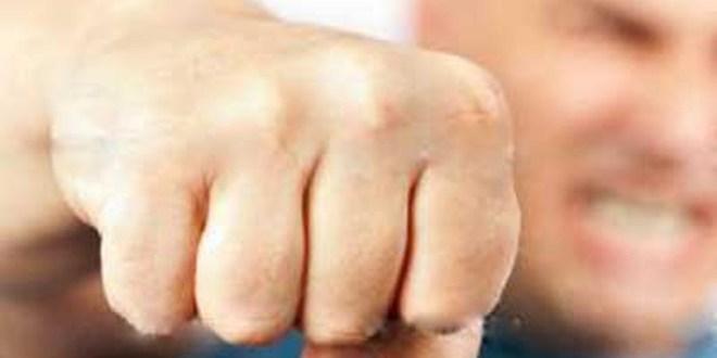 Ναύπακτος: Έμπορος έστειλε στο νοσοκομείο αστυνομικό!