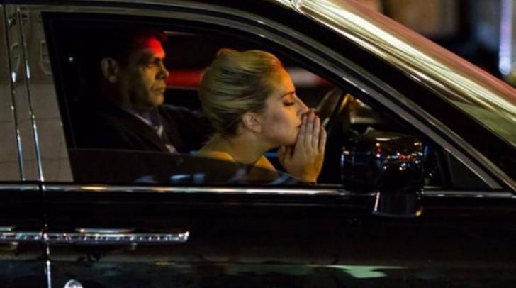 Η Lady Gaga κλαίει για τη νίκη του Ντόναλντ Τραμπ