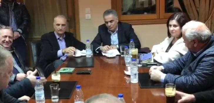 «Τα'κουσε» ο υπουργός από μέλος του Εργατικού κέντρου στη Νάυπακτο (ΔΕΙΤΕ ΒΙΝΤΕΟ)