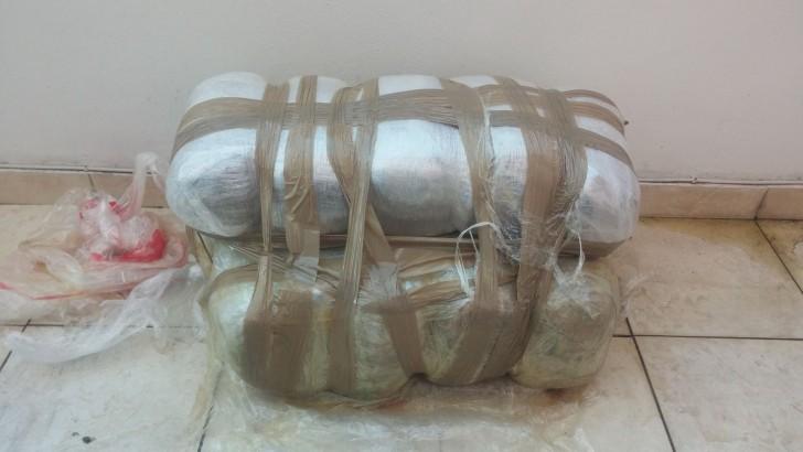 Ζάκυνθος: Τριάντα πέντε κιλά κάνναβης επέπλεαν στη θάλασσα! (ΔΕΙΤΕ ΦΩΤΟ)