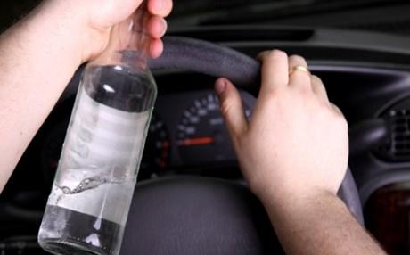 Αγρίνιο: Εμπλοκή μεθυσμένου οδηγού σε τροχαίο ατύχημα