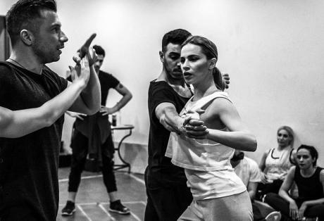 """Η Ναυπάκτια Νάντια Μπουλέ ανεβαίνει στο θεατρικό σανίδι ως… """"Εβίτα"""" (ΦΩΤΟ)"""