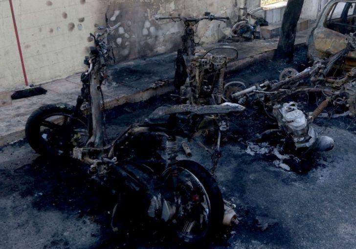 Πάτρα: Απολογείται στον ανακριτή ο πυρομανής που έκαιγε μηχανές και αυτοκίνητα