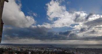 Συνεχίζεται η καλοκαιρία – Λίγη συννεφιά από το απόγευμα