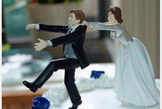 Αστακιώτης, από τη χαρά του που χώρισε, ανάρτησε στο Facebook το διαζύγιό του!