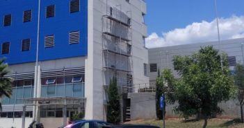 Νοσοκομείο Αγρινίου: «Φεύγουν» κομμάτια από ολοκαίνουριο κτίριο! (ΔΕΙΤΕ ΦΩΤΟ)