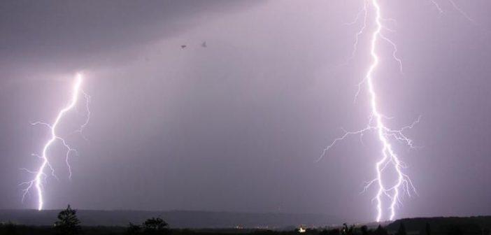 Ιόνιο: Κεραυνός χτύπησε καταμαράν