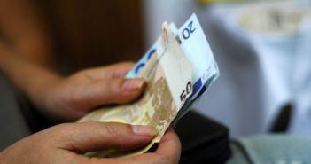 Δυτική Ελλάδα: «Πλήρωσε» με κατάσχεση το χρέος της νεκρής γιαγιάς της