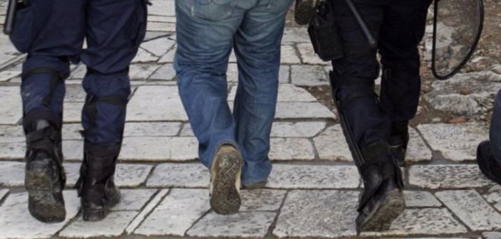 Βόνιτσα: Σύλληψη 54χρονου για ενδοοικογενειακή βία και αντίσταση κατά της αρχής