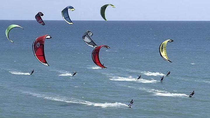 Λευκάδα: Τραυματίστηκε 17χρονη κάνοντας kite surf