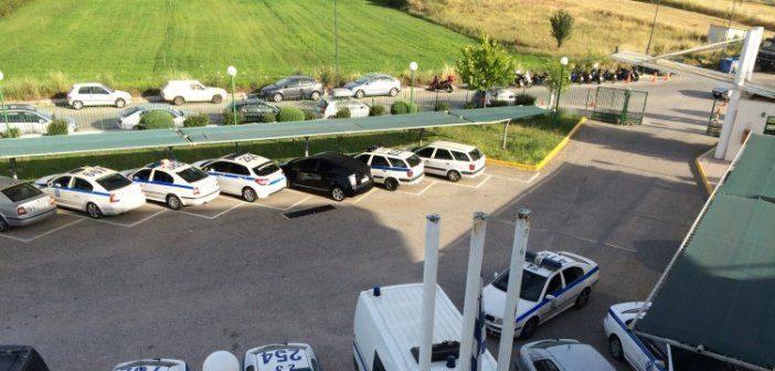 Αστυνομικό Μέγαρο Αγρινίου: Κρατούμενος έκοψε το χέρι του με τηλεκάρτα!