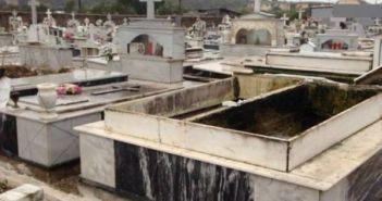 Δυτική Ελλάδα: Ανεμοστρόβιλος άνοιξε μνήματα (ΔΕΙΤΕ ΦΩΤΟ-ΒΙΝΤΕΟ)
